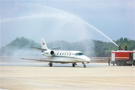 郴州北湖机场首次校飞