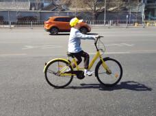 舆情辣评:儿童骑共享单车身亡,谁之过