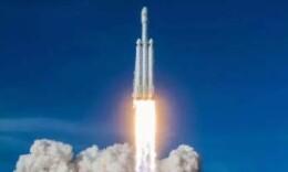 """剛剛,""""獵鷹重型""""火箭商業首飛發射成功,實現3箭回收"""