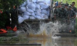 干堤決口,洪水洶涌——保衛京廣線