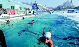 游泳消暑季到了,公共游泳池的风险要谨记