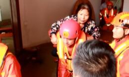 70余村民被洪水围困 零陵消防:全部救了!