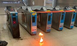 港铁:强烈谴责暴徒破坏列车及铁路设施安全行为