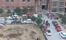 男子劫持8人质包含儿童,武警强突解救