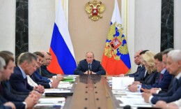 俄罗斯内阁调整:普京解职3位部长,副总理从9人增至10人