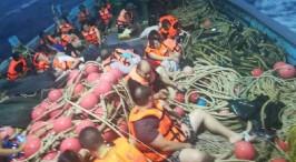 揪心!两艘载有中国游客的游船在泰国翻船