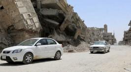 废墟中的艰难重生路――摩苏尔解放一周年回访记