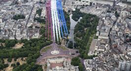 英国皇家空军举行100周年庆典