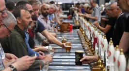 英国最大的啤酒节――大不列颠啤酒节开幕