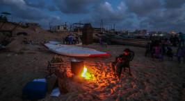 黑暗中挣扎:加沙供电危机下的居民生活