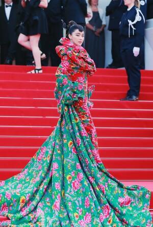 中国传统花纹亮相红毯