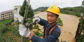 国网新化电力公司防汛抢险恢复电力