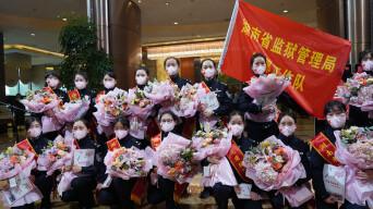 视频|敬礼!22名女警花湖北凯旋