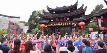 """""""五一""""假期湖南旅游成绩单:接待游客超2322万人,吸金近165亿元"""