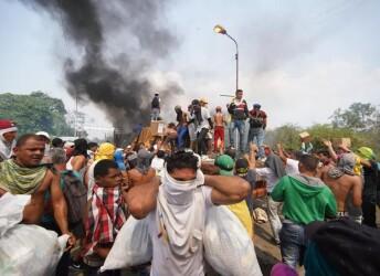 美国的物资 还是没运进委内瑞拉