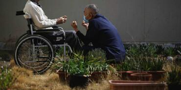 """探访日本""""银发监狱"""":老人抢着入狱竟是这个原因"""