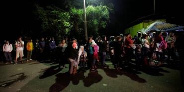 新一批洪都拉斯人加入移民潮 组团前往美国