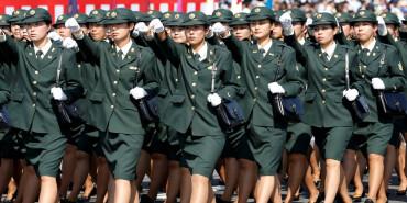 路透社高清组图:日本陆上自卫队举行年度阅兵式