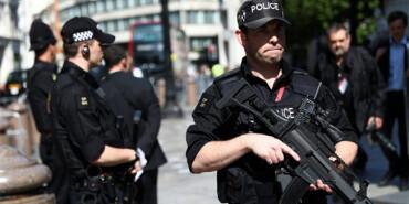 英国各地加强警戒