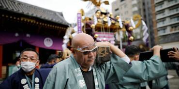 """東京:疫情下的""""三社祭""""慶典"""