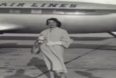 81岁世界最年长空姐在空中飞了60年