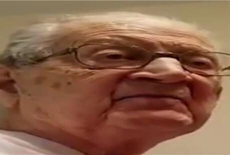 都说岁月何曾饶过谁?但这位98岁老爷爷赢了