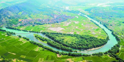 道县洑水河畔:田畴阡陌 水清岸绿