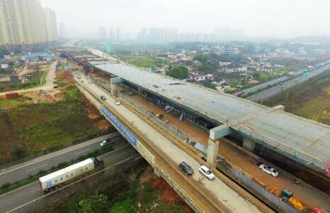 湘府路高架跨越京港澳高速