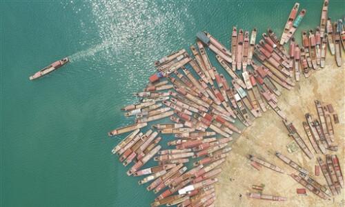 全面禁捕 渔船上岸