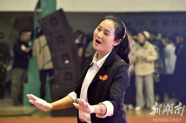 新湖南:红歌颂祖国 红心永向党