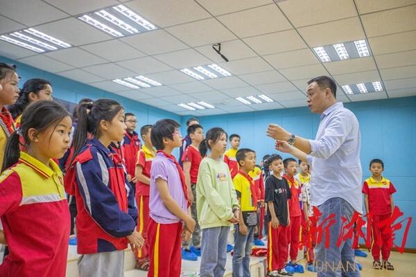 【湖南日報】祁東推廣啟航合唱團經驗:用歌聲打開留守兒童的心靈