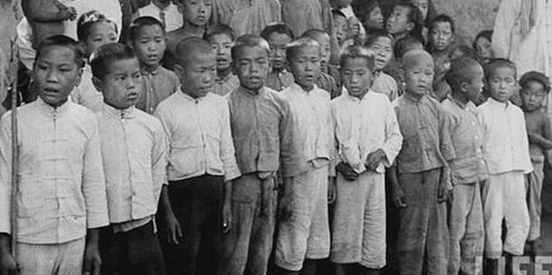 1940年抗日儿童团小朋友,坚强而勇敢