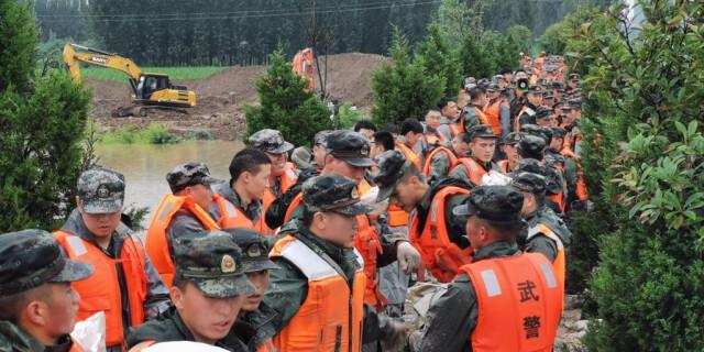 8000余名人民子弟兵持续奋战河南抗洪一线