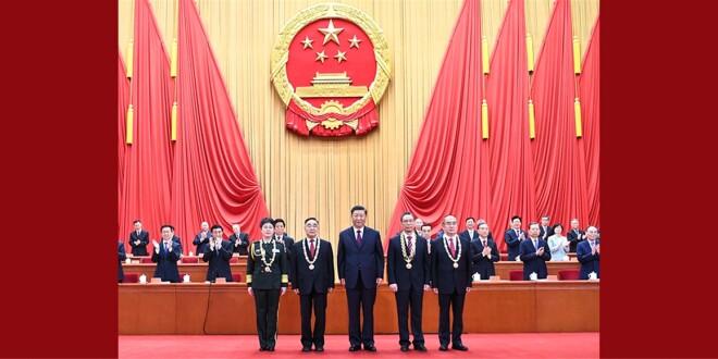 全国抗击新冠肺炎疫情表彰大会在北京隆重举行