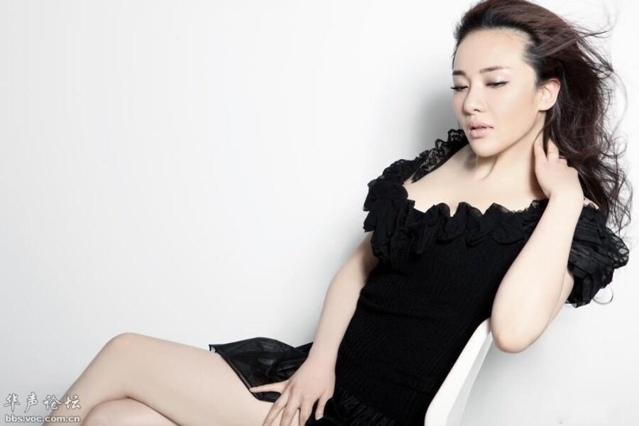 孟茜为时尚杂志拍摄性感大片 美女人体艺术