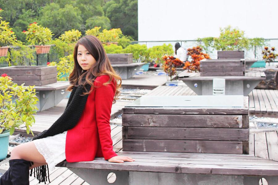【美女相册】 邻家姐姐校园外拍 【22P】