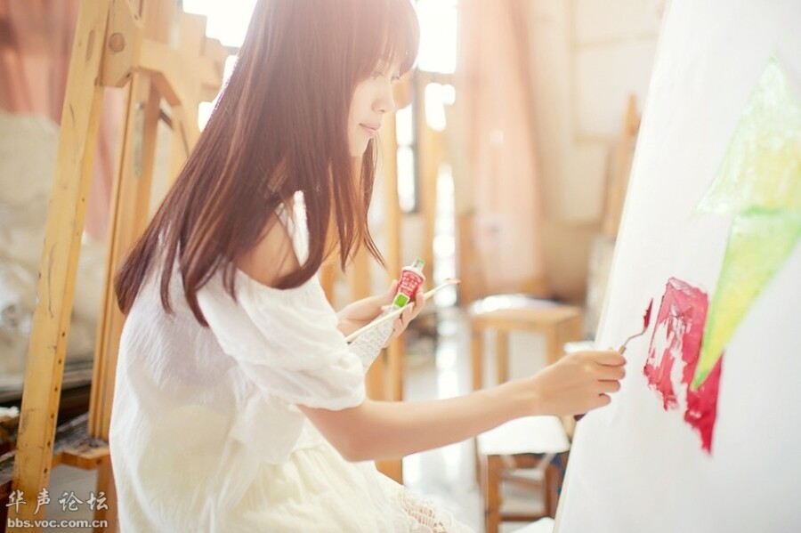 校园清纯文艺美女气质超群 美女人体艺术