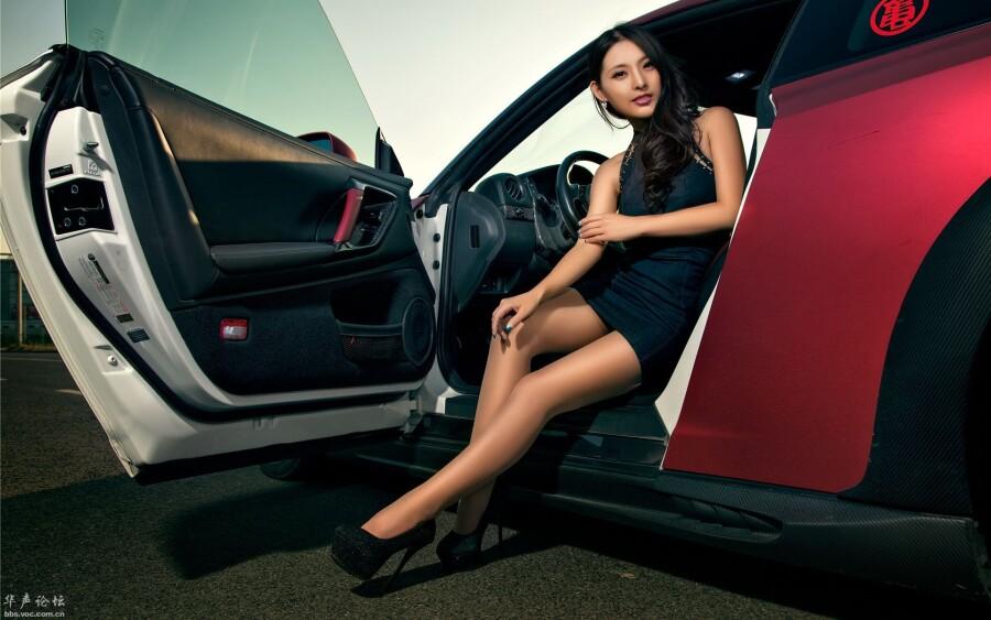 日产GT R 改装车美女王君瑜模特高清桌面壁纸
