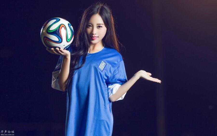 足球美女_四川力达士足球俱乐部美女老板PK体操新女神