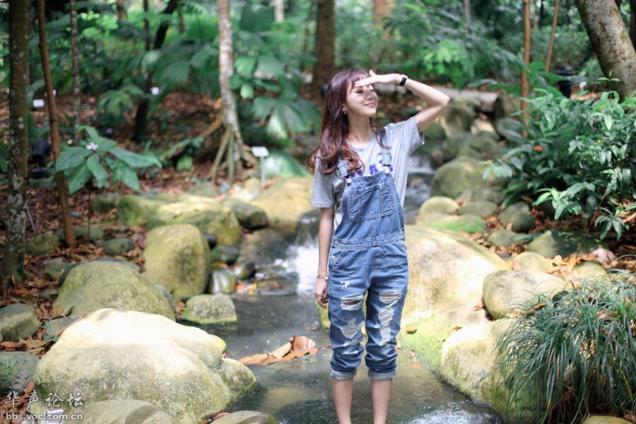 【清新丽人】小溪旁的少女 美女人体艺术