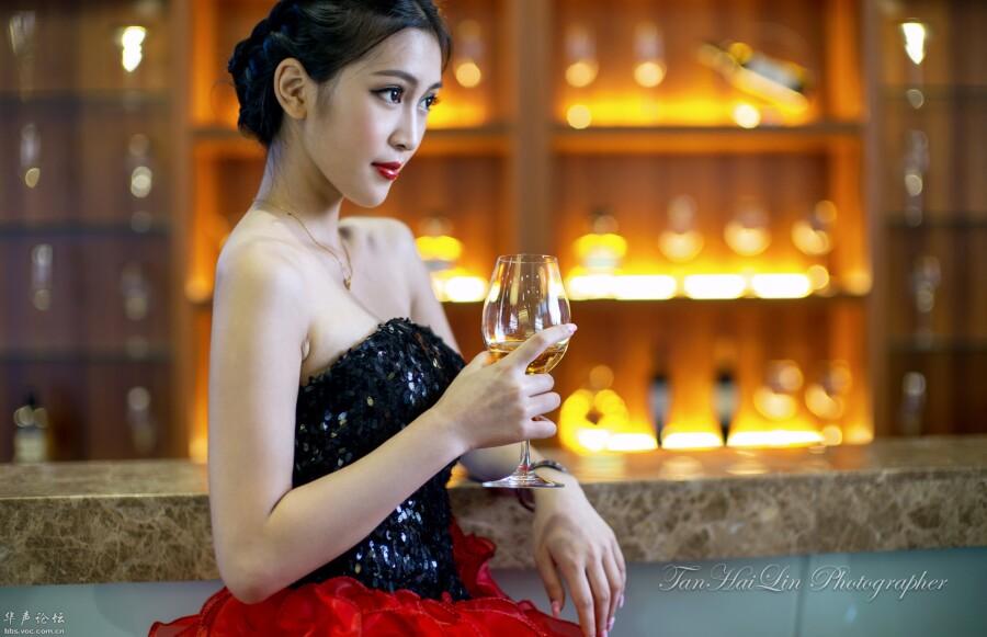 【美图共享】◆ 女人如酒铁鹰作品 美女人体