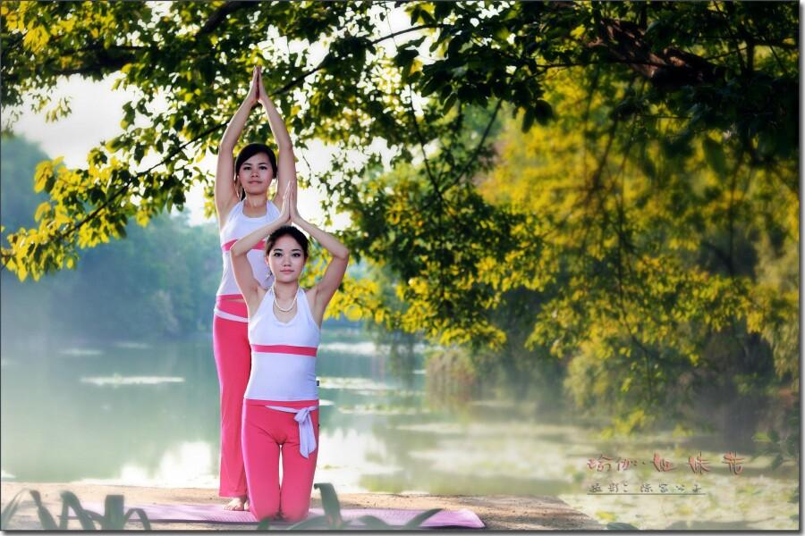 瑜伽图片艺术_瑜伽心灵的肢体艺术组图_印度文化_印度留学