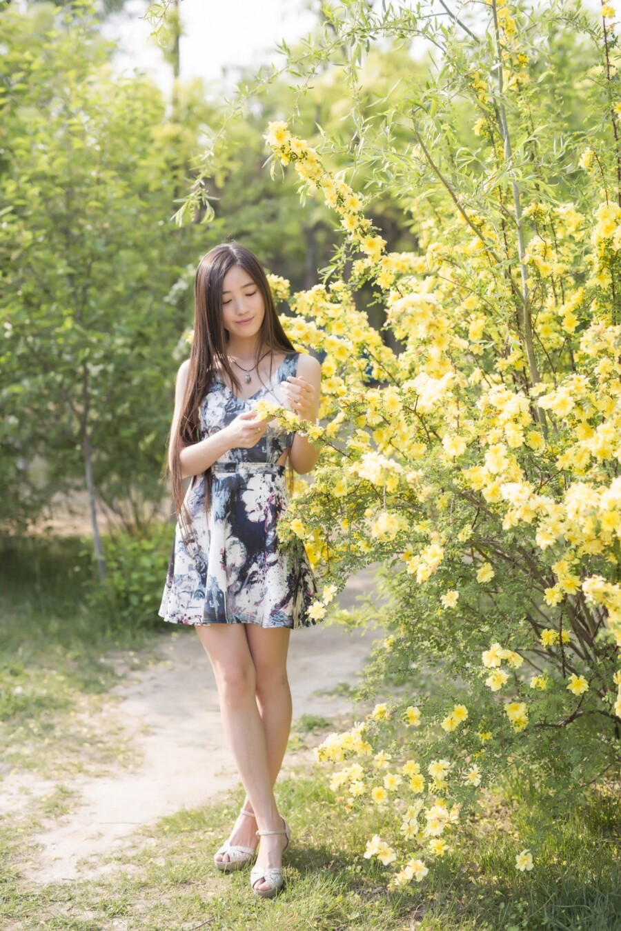 素颜美女 - 春色满园 - 春色满园
