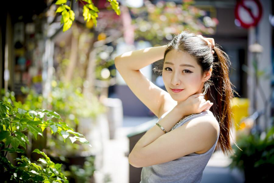 阳光明媚 吴小葵 - 春色满园 - 春色满园