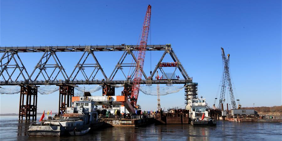 中俄首座跨界河�F路大�蛑蟹蕉沃黧w工程完成